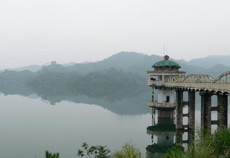 钟山旅游景点-花山水库